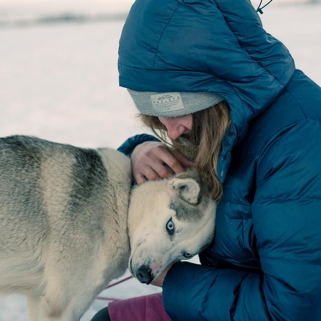 Jenni Kaipainen ja koira.
