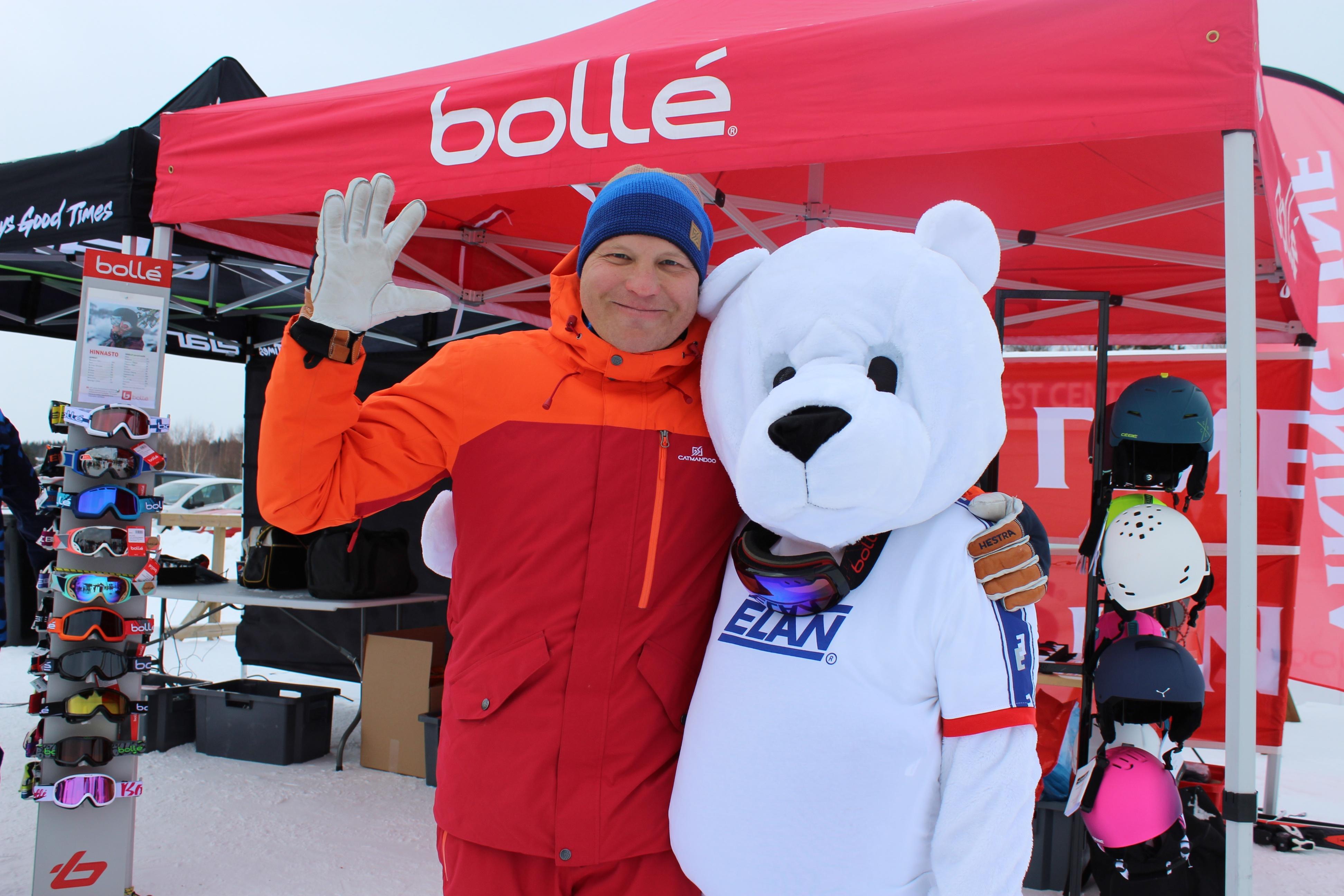 Elan Snowtour -hiihtokoulu 2018 ja Kalle Palander.